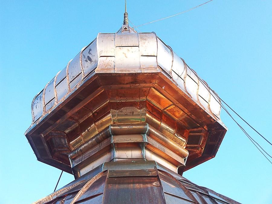 Zwiebelturm-geruestfrei-geruestlos-ortnerkofler-Kupferblech-Turmdecker